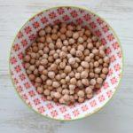 Hovedingrediensen i hummus er kikærter.